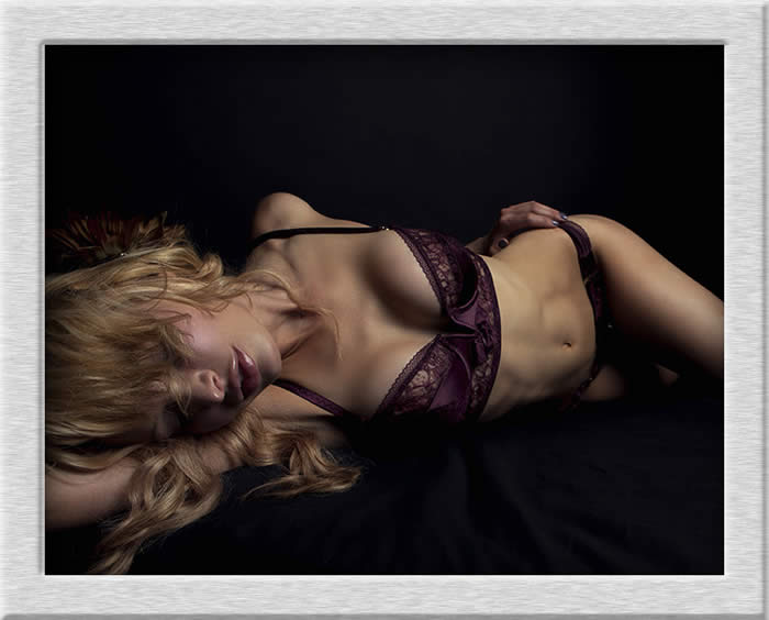 Boudoir photography by Freddy Fox